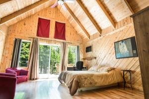 Main unit, Neptune Cabin, queensize bed
