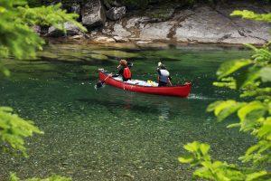 Canot sur la limpide rivière Bonaventure