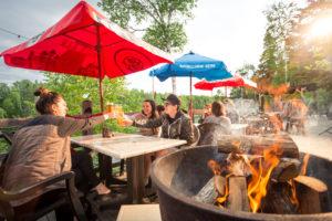 restaurant-terrasse-vue-sur-la-riviere-cime-aventures